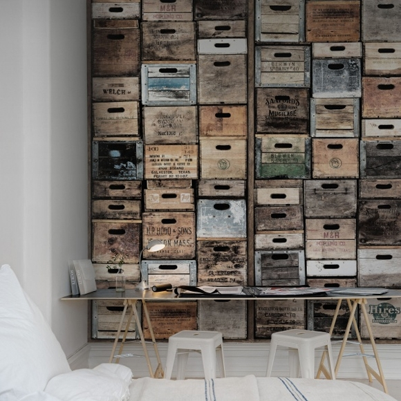 papier peint style industriel vielles caisses en bois rebel walls au fil des couleurs. Black Bedroom Furniture Sets. Home Design Ideas