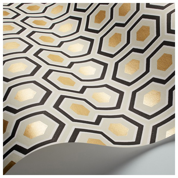 papier peint dor e et noir hick s hexagon. Black Bedroom Furniture Sets. Home Design Ideas